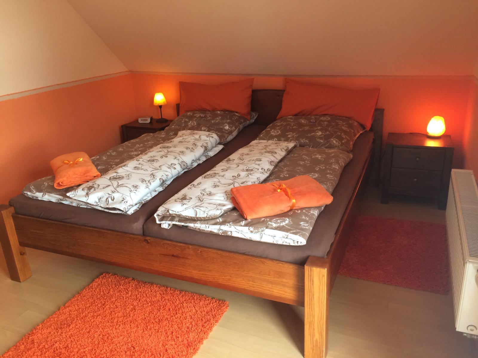 Haus Friesenglück in Kolkerheide, Nordfriesland – Ferienwohnungen und Ferienapartments – Ferienapartment 1 (braun/orange) – Innenansicht 3