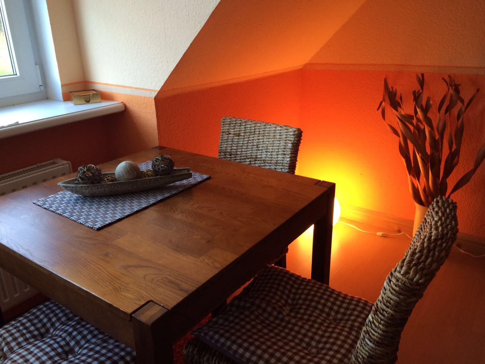 Haus Friesenglück in Kolkerheide, Nordfriesland – Ferienwohnungen und Ferienapartments – Ferienapartment 1 (braun/orange) – Innenansicht 6