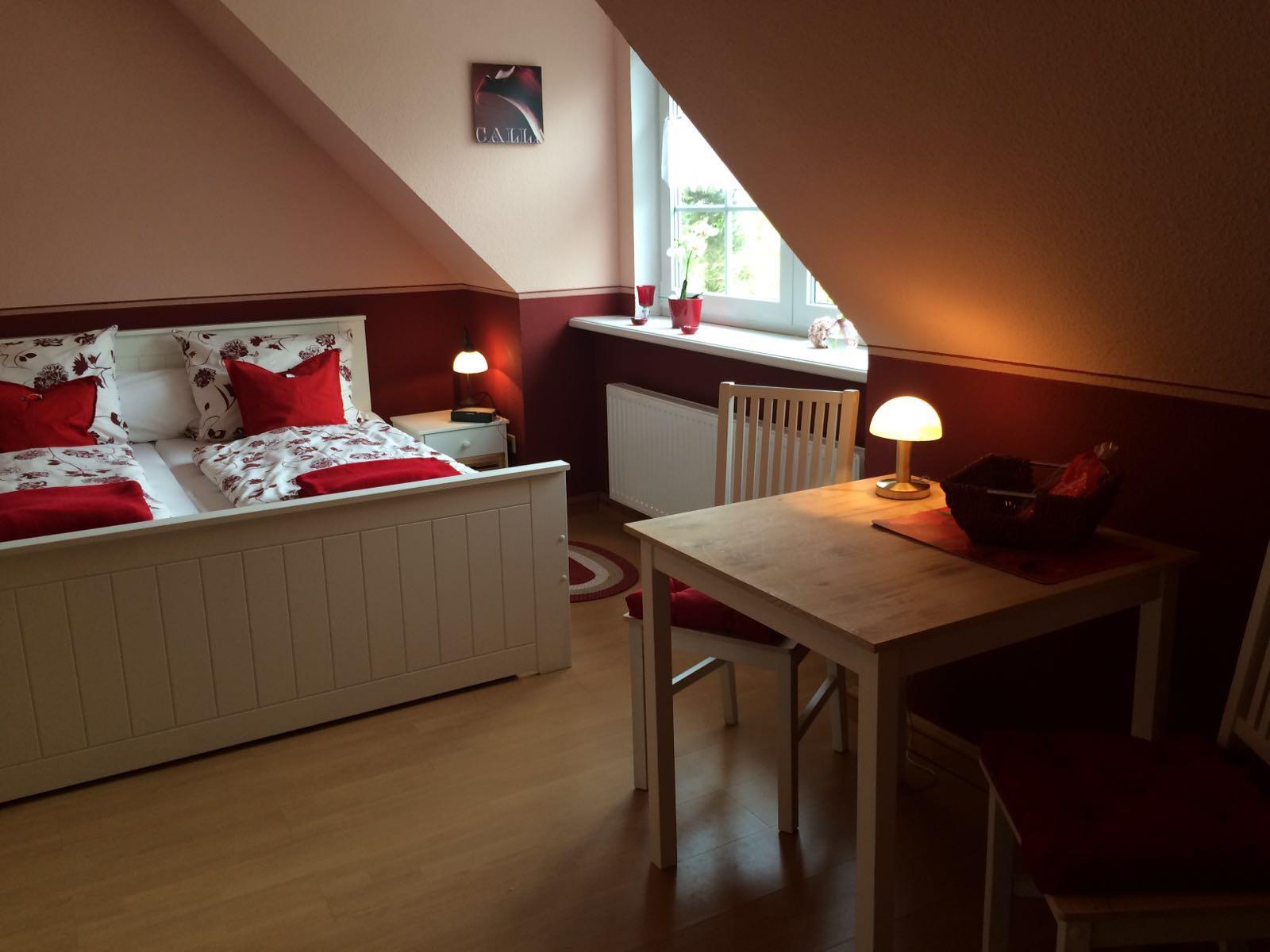 Haus Friesenglück in Kolkerheide, Nordfriesland – Ferienwohnungen und Ferienapartments – Ferienapartment 3 (rot) - Innenansicht 1