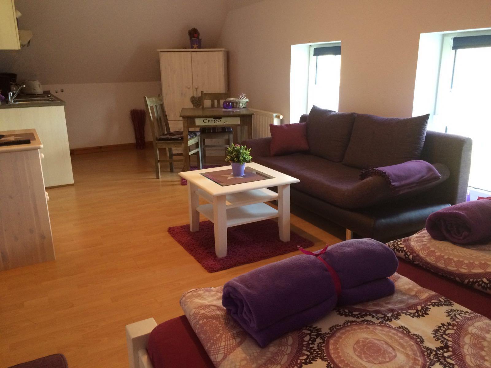 Haus Friesenglück in Kolkerheide, Nordfriesland – Ferienwohnungen und Ferienapartments – Ferienapartment 4 (purple) – Innenansicht 3